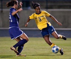 09-25-09_Blog_Womens_Soccer_Roeder_3